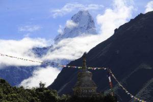 Ama Dablam and Small stupa on the way