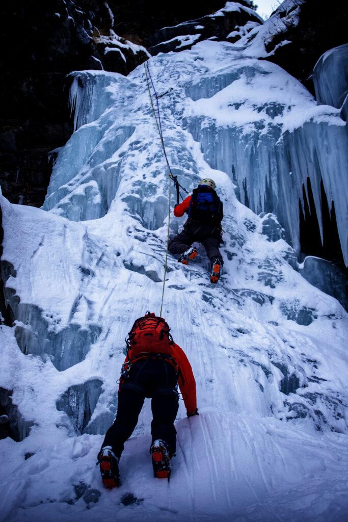 Ice-Climbing-in-Manang