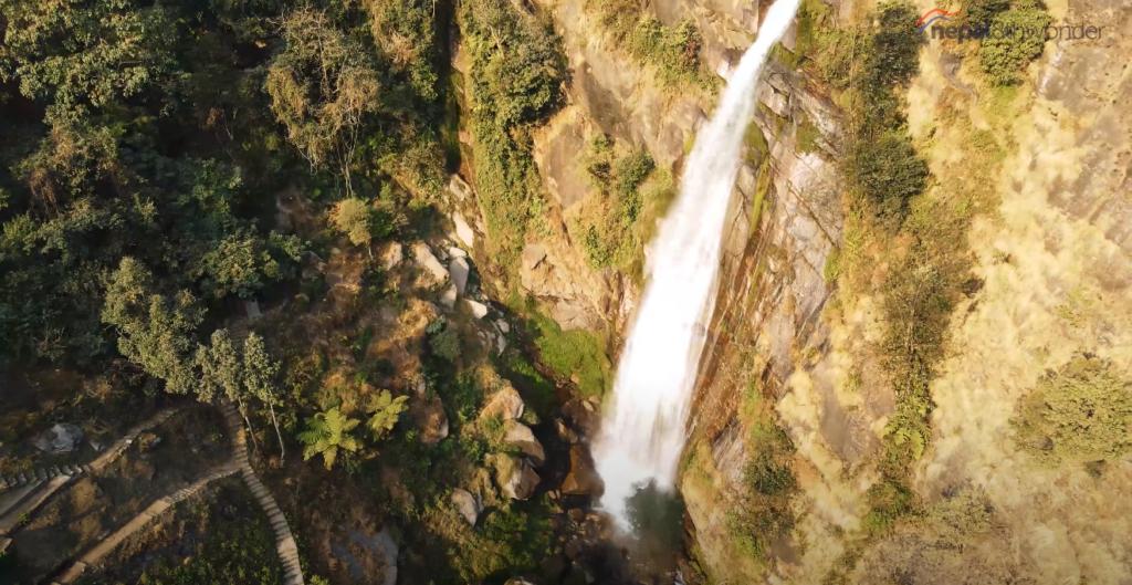 WINTER-IN-MANANG-Waterfall-Nepal8thwonder