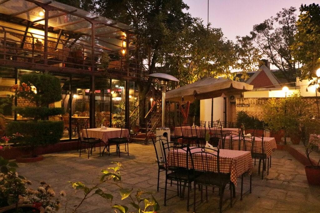 Outdoor Dining, Bricks Cafe